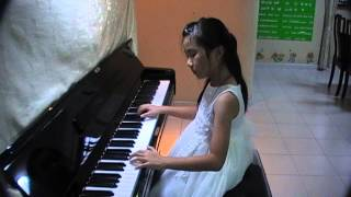 The First Noel (Piano Solo)-Chanel Lee (9yrs old)