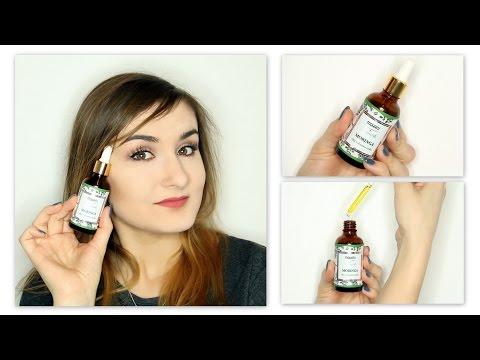Czy olej kamforowy nakłada się na włosy