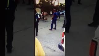Madre de familia ARREMETE contra Arturo De la Rosa en pleno recorrido de campaña en SJC