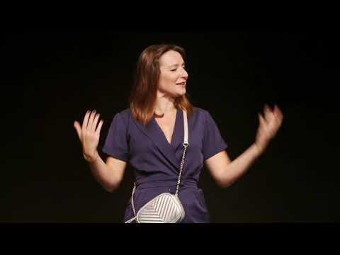 """Julie Bargeton """"Woman is coming"""" au Studio des Champs-Elysées"""