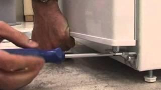 AEG-Electrolux-Zanussi alulfagyasztós hűtőgép ajtócsere Márkabolt