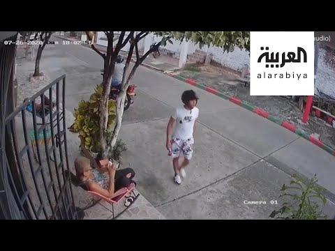 العرب اليوم - شاهد: كيف ضربت هذه المسنة لصا حاول سرقة هاتفها