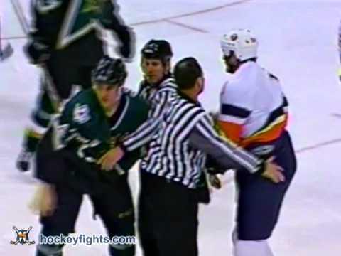 Eric Cairns vs Aaron Downey