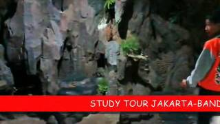 preview picture of video 'COVER STUDY TOUR JAKARTA BANDUNG SMP 3 KUDUS 8D'