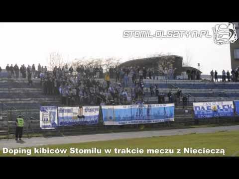 Doping kibiców Stomilu Olsztyn podczas meczu z Niecieczą