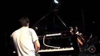 Música de Bolso - Chris Garneau - Castle Time