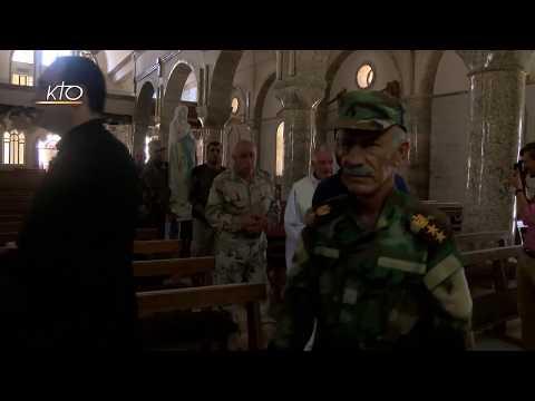 Procession d'une des Vierges de Lourdes à Qaraqosh (Irak)
