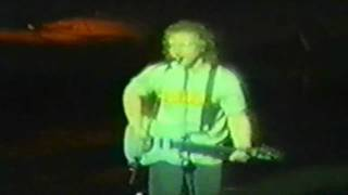 Warren Zevon - Jeannie Needs A Shooter - Live in Iowa City, 1987 ( Last song of the Show)