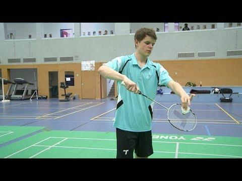 Badminton - der Aufschlag