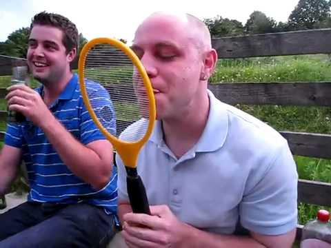 Liếm vợt muỗi,ai dám chơi không nào