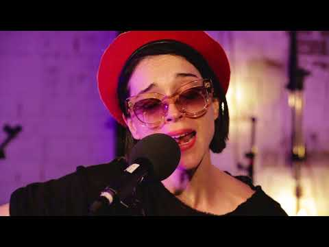 Slow Disco (Music Live Room Version)