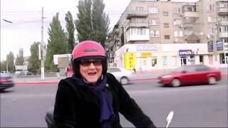 Мото приколы. Девушки на мотоциклах в первый раз! Смешные мотоприколы с девушками и парнями