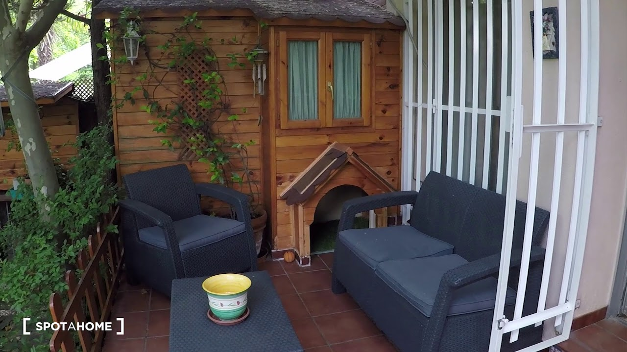 Double bed in Rooms for rent in large 5-bedroom house in Aravaca