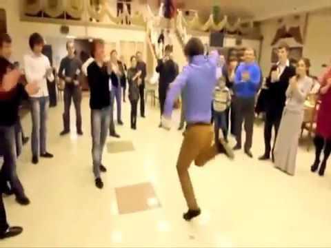 Он не танцует, он пархает ! Скачать в HD