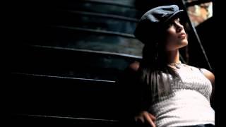 ALICIA KEYS - Pressing On