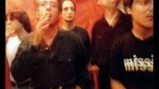 «Όλα τελικά ξαναγυρνάν σε μάς» απο Τρύπες: Η κιθάρα ξεκινά παίζοντας μία καθαρή - τρείς κούφιες (από vikar, 14/03/11)
