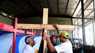 Presos de Panamá sueñan ser libres haciendo confesionarios