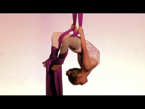 Comadreja Bachata Congress 2015 ~ Morena Rodas (acrobacias en telas)