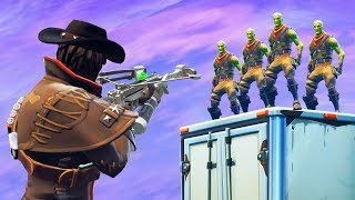 ESCAPE THE ZOMBIE HUNTER in Fortnite Battle Royale