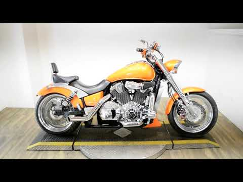 2003 Honda VTX 1800C in Wauconda, Illinois - Video 1
