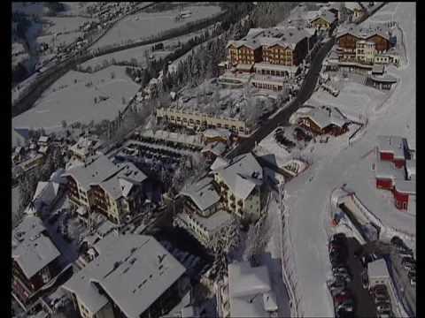 Winterparadies St.Johann / Alpendorf . Die Kabinenbahn Alpendorf erreichen Sie in nur 100 m von unserem Bauernhof .