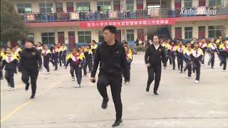 Jak wpadłem na pomysł układu tanecznego shuffle: Dyrektor chińskiej szkoły, który złamał Internet