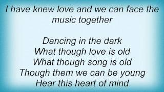 Barry Manilow - Dancing In The Dark Lyrics_1