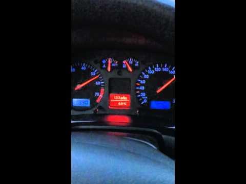 Die Nummer auf dem Scheck an das Benzin