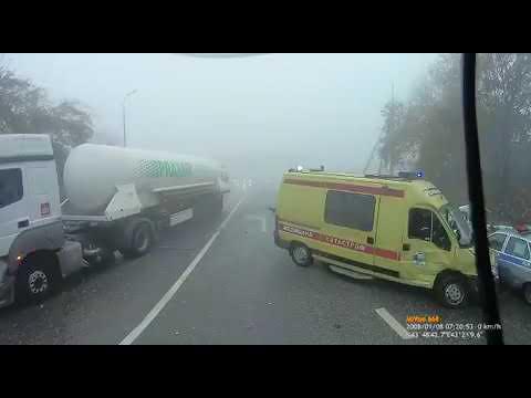 В условиях сильного тумана водитель фуры летел по приборам