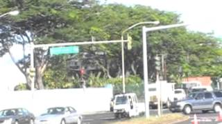 preview picture of video 'Bus tour of Honolulu Oahu Hawaii on the way to Pearl Harbor'