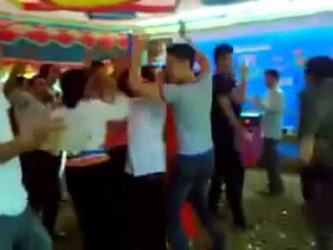 Các cụ già nhảy nhạc sàn cực máu, cực bá đạo
