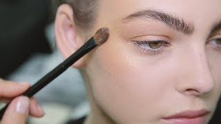 CHANEL Backstage Makeup Look – FROM THE SHOW TO YOUR HOME – Fall-Winter 2018/19 Ready-to-Wear