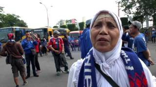 Ratusan Suporter Arema Tiba Di Lapangan Maguwoharjo Sleman  NET12