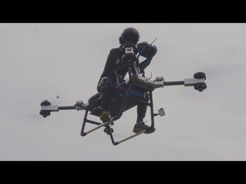 Chinês cria moto voadora