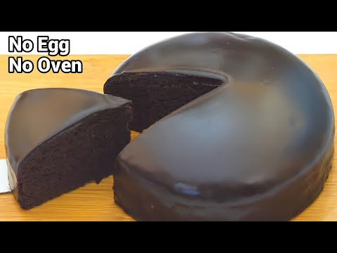 This Oven-Free Eggless Chocolate Cake Recipe is SO Easy!