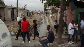 preview picture of video 'Haiti Mission Trip Earthquake Damage Slideshow March 2010'