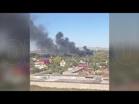 Над Орском поднялся столб густого чёрного дыма: пожар случился на садовых участках