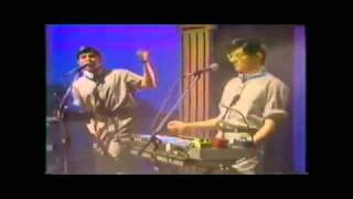 DEVO - Jerkin' Back and Forth (Live on Fridays 10.09.1981)