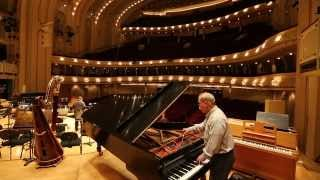 So Chicago: Piano (tuning) man