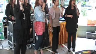 11 - Selamat Pengantin Baru - Surya 4 Dara, Razia-siti Hanah- Diyana- Nurul_mpeg2video.mpg