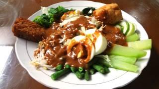 Gado-gado vegetable salad