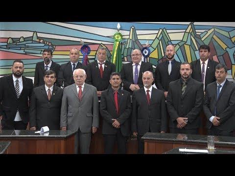 Dois meses após prisão de vereadores, suplentes tomam posse na Câmara de Teresópolis
