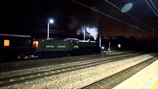preview picture of video 'B1 61306 'Mayflower' The Cathedrals Express York to London Kings X @ Arlesey 12 March 2015'