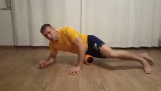 Treat Sciatica Symptoms Using Foam Roller - Marek Purczynski