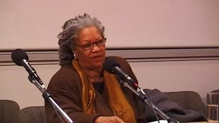 Toni Morrison ► The foreigner's home : of language and demons [Archive ENS]