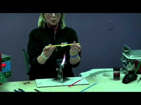 Flameworking: How to Pull Glass Stringer