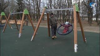 В парке 30-летия Октября элементы детского городка приходится прятать от вандалов