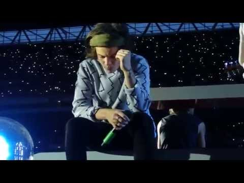 One Direction - Little Things - 06/06/2014 London (видео)