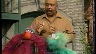Sesame Street (#3883): Telly and Rosita's Hand-Clapping Game