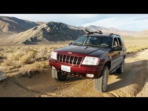 A Broken Jeep WJ and a Night in the Desert – Off Road 4×4 Adventure